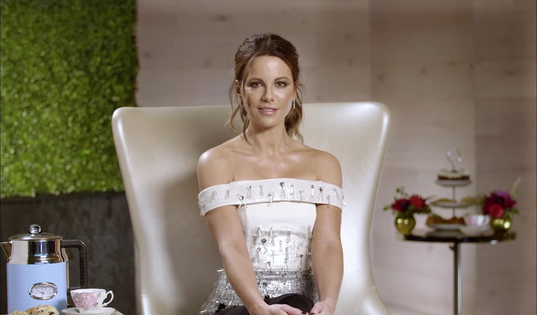 Kate Beckinsale | Family, Traditions & Tea