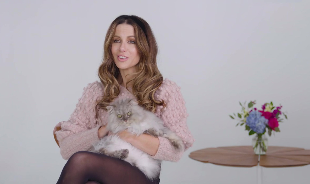 Kate Beckinsale Reveals the Hilarious Reason Why She's 'Very Much a Cat Person'
