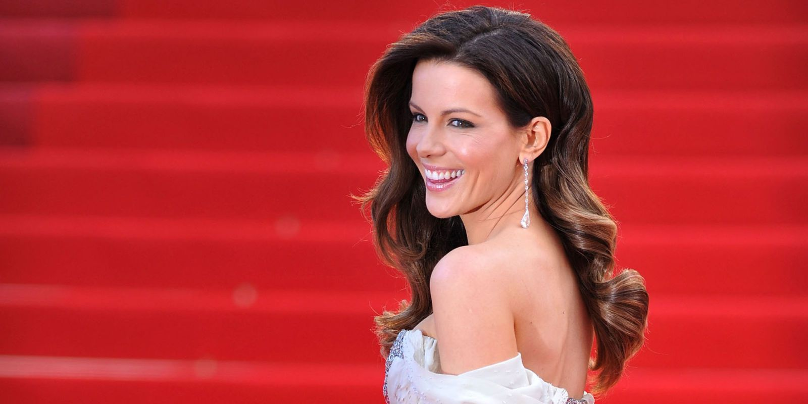 Kate Beckinsale Just Had The Best Thing To Say About Her Unconventional Family With Michael Sheen